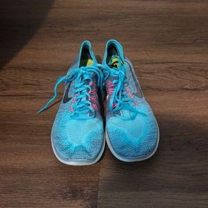 Nike Free Rn Flyknit Size 9
